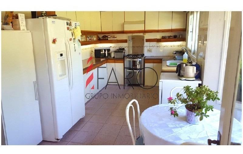 preciosa casa en venta , 3 dormitorios , ideal para vivir todo el año! -ref:36156