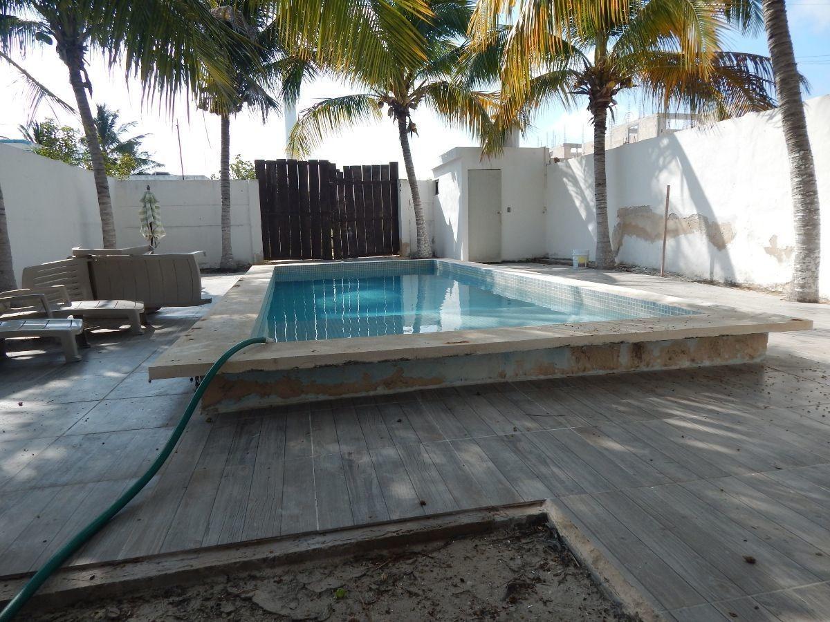 preciosa casa en venta en chicxhulub puerto