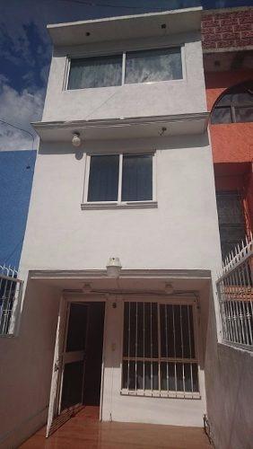 preciosa casa en venta en los heroes ixtapaluca