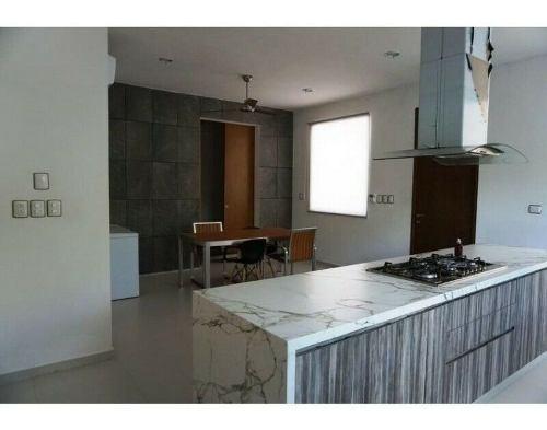 preciosa casa en venta en privada residencial xcanatún