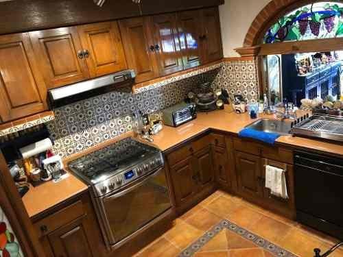 preciosa casa  en venta excelente ubicación al sur de la ciudad.