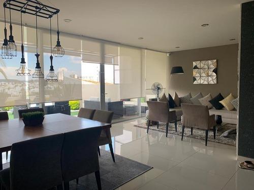 preciosa casa en venta  moderna con una hermosa vista en un exclusivo lugar.
