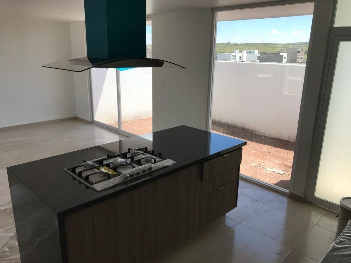 preciosa casa en zen life, premium, roof garden, alberca, 3 recámaras, estudio..