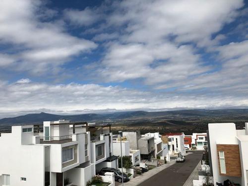 preciosa casa en zibatá, 3 recámaras, jardín, estudio, golf, premium !!