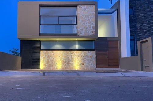 preciosa casa en zibatá, estudio, 3 recamaras, terraza, jardín, de super lujo