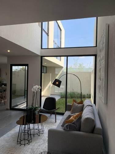 preciosa casa entre el refugio y zibatá, doble altura, jardín, 3 recamaras,..