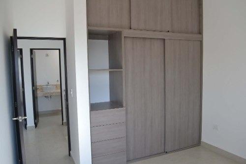 preciosa casa nueva en renta en zibata qro.mex