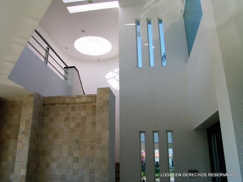 preciosa casa seminueva con moderno diseño
