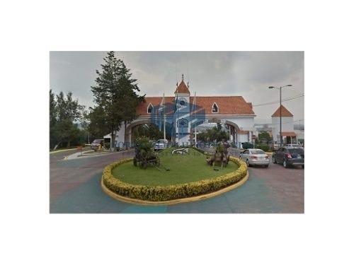 preciosa casa ubicada en el condado de sayavedra