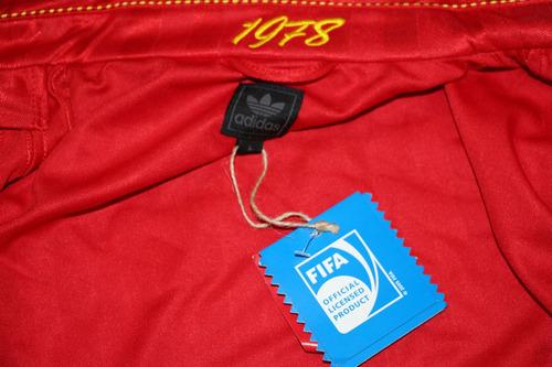 preciosa chamarra retro de españa 1982 adidas originals
