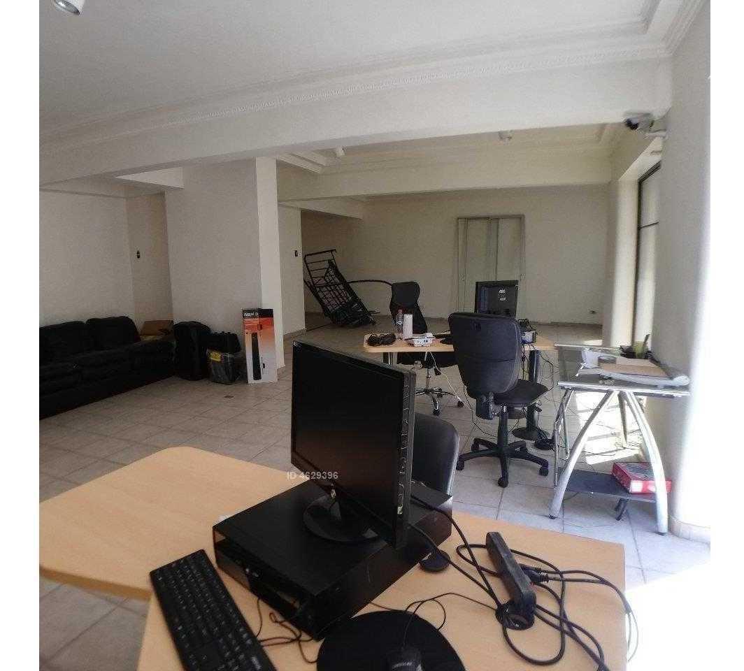 preciosa oficina duplex pleno centro.