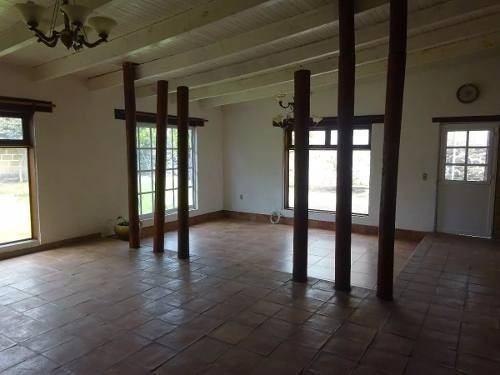 preciosa residencia de una planta en huertas la joya, 600 m2