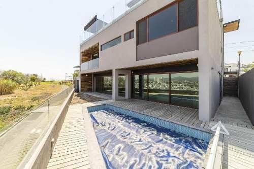 preciosa residencia en cumbres del lago, alberca privada, 4 recamaras, roof gard