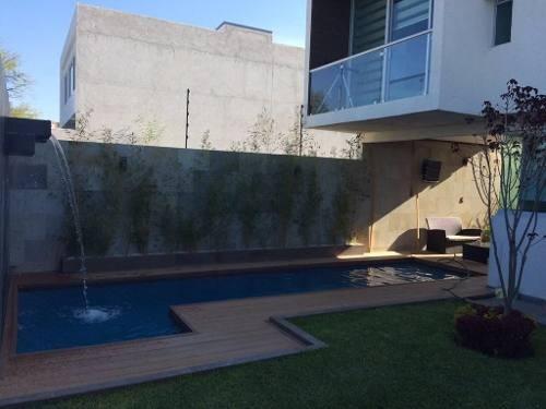 preciosa residencia en lomas de juriquilla, alberca propia, jardín, de lujo !!