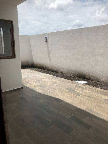 preciosa residencia, la condesa juriquilla, 3 niveles, roof-garden, 3 recámaras