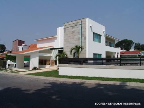 preciosa residencia, moderna, con acabados de primera