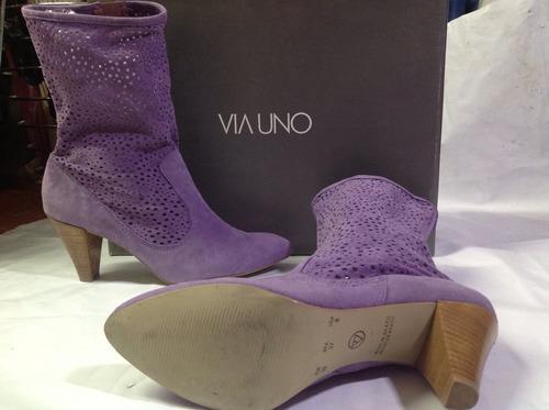preciosas botas vía uno de cuero nuevas color lila