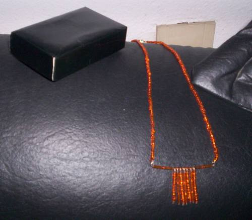 precioso collar naranja regaladooo!!!!!