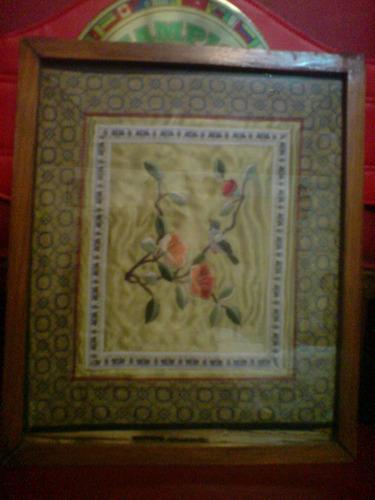 precioso cuadro bordada en seda
