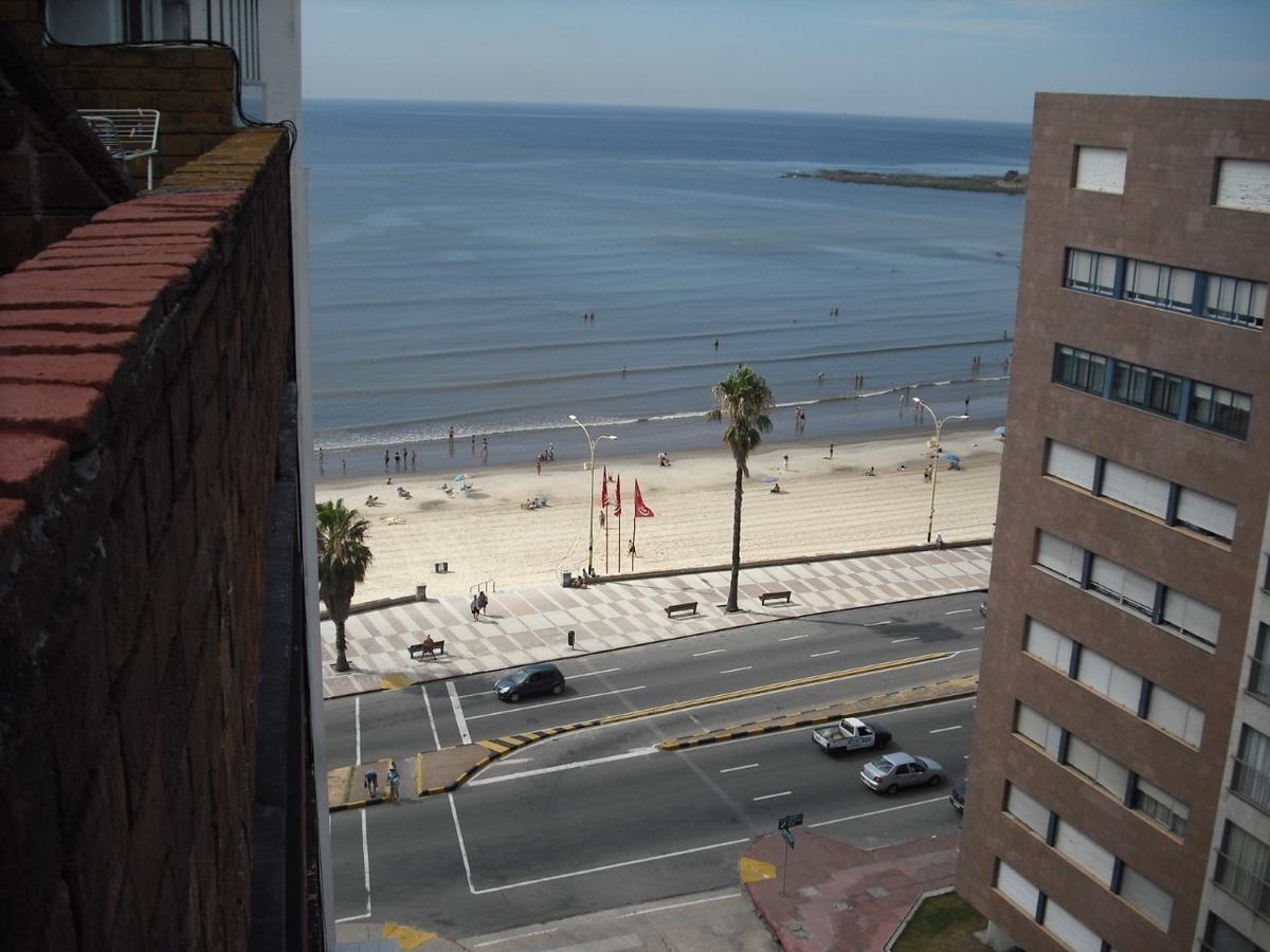 precioso penthouse con vista al mar