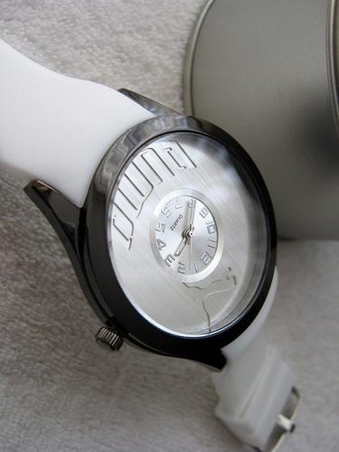precioso reloj puma blanco / plata caucho  subasta  1 peso