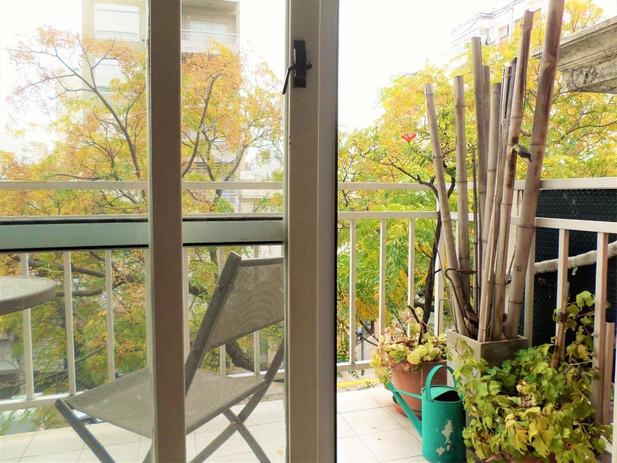 precioso semipiso de 4 ambientes balcón gran cochera