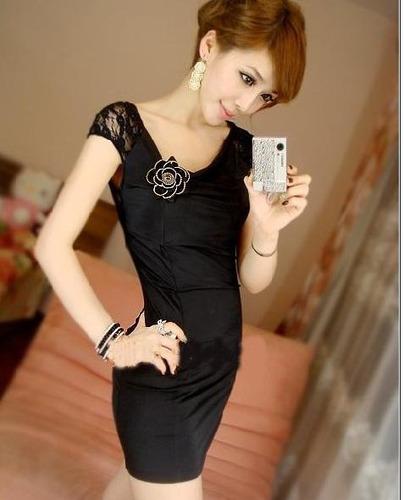 precioso vestido negro con encaje y flor moda japonesa