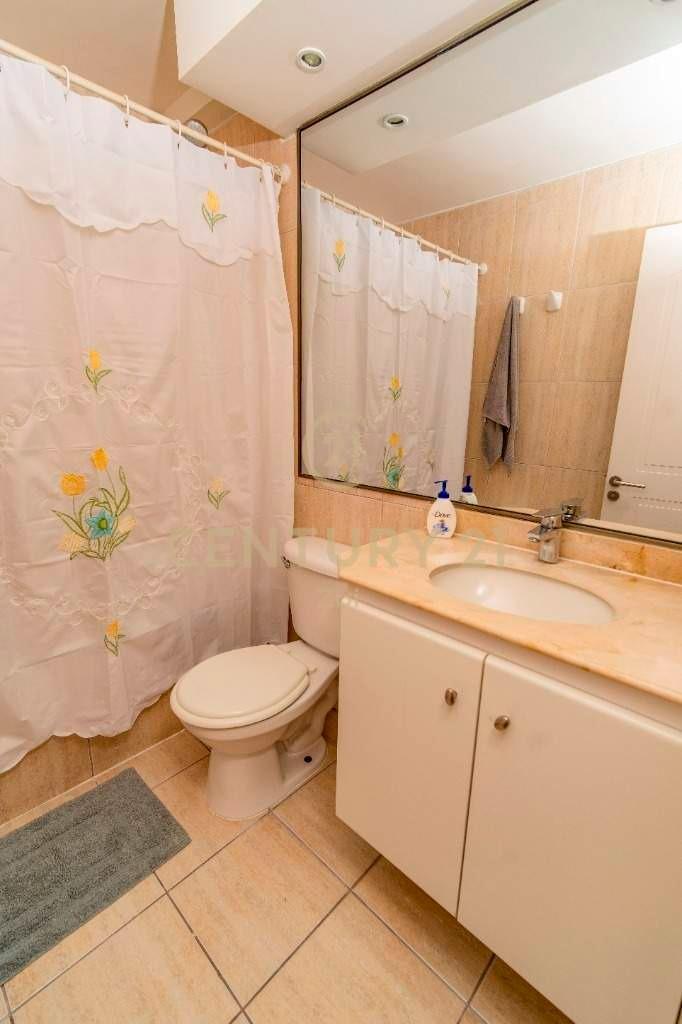 precioso y amplio departamento en condominio las antillas...