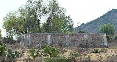 predio agrícola con algunas construcciones en hidalgo
