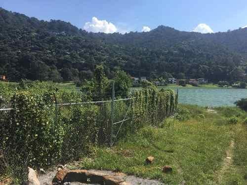 predio con acceso al lago