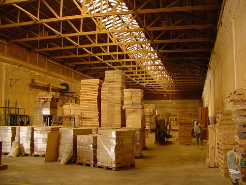 predio de 9000 m2 totales con 6000 m2 cubiertos - sarandi