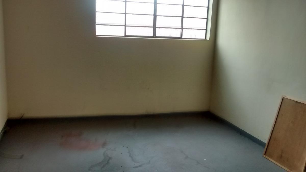 prédio galpão salão com 300 m²  área útil  confira!