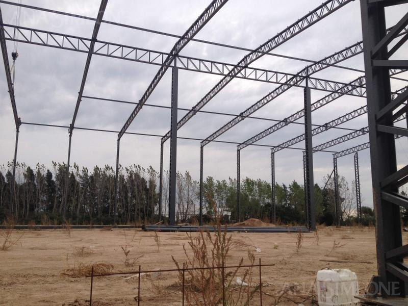 predio ideal para centro logístico de 125.000 m2 con 3.000 m2 cubiertos