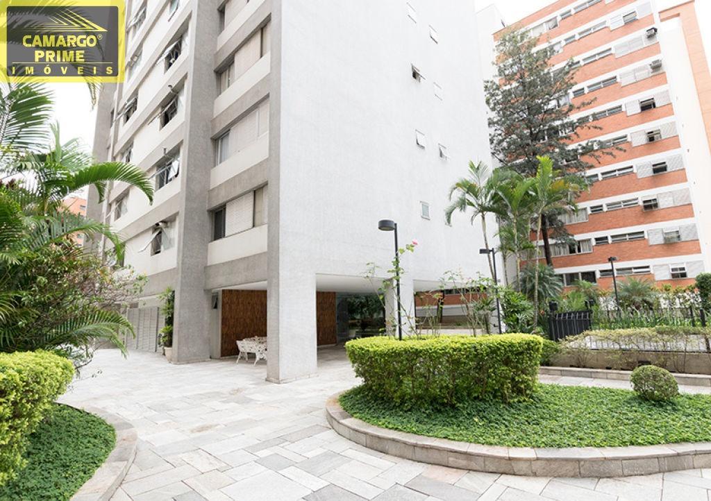 prédio recuado com jardim, playground e um lindo e espaçoso salão de festas. - eb81506