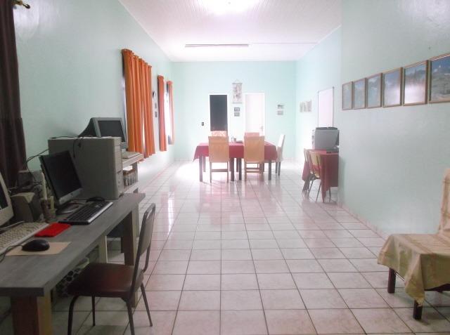 prédio/apartamento com 2 salas comercial, 3000m2 de terreno