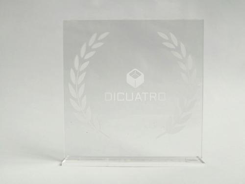 premios y trofeos en acrilico