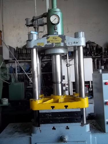 prensa hidráulica motorizada 30 tons 04 colunas eka
