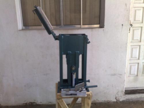 prensa tijolo ecológico 15x30 6ton frete único r$100
