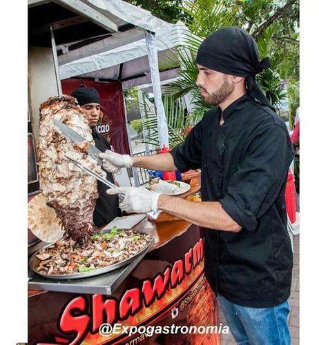 preparacion de shawarmas en vivo