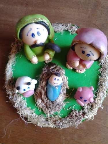 presépio natalino sagrada familia em biscuit