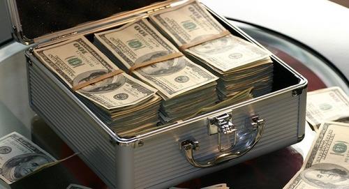 préstamo y financiación de sus proyectos ;  +598 93 536 275