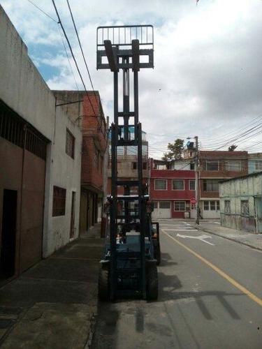 prestamos servicio y alquiler de montacargas de 1 a 5 ton.