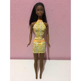 Pretty In Plaid Christie Barbie Negra Mattel 1998