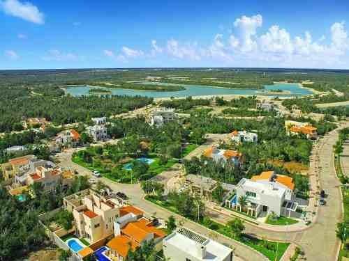 preventa de lujosos residenciales xik´nal lagos