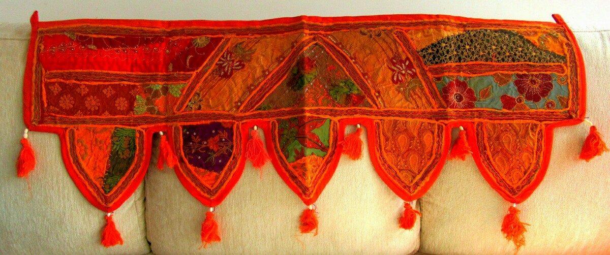 Primaverales cenefas indias puertas y ventanas for Quien compra muebles usados