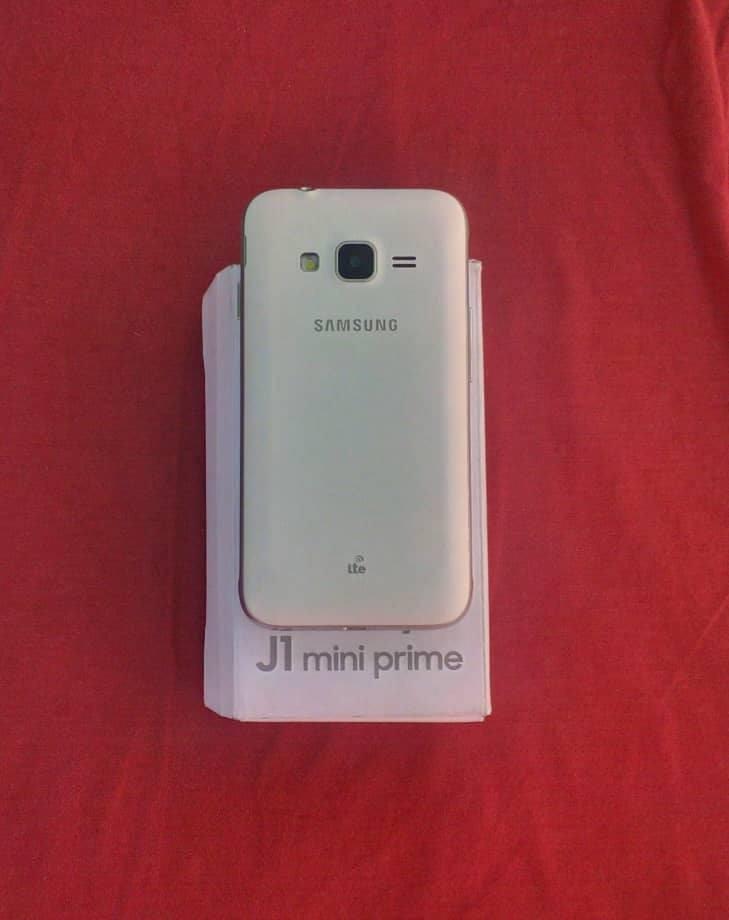 50c16607e3c Cargando zoom... j1 mini prime samsung 2 meses uso con caja full accesorios
