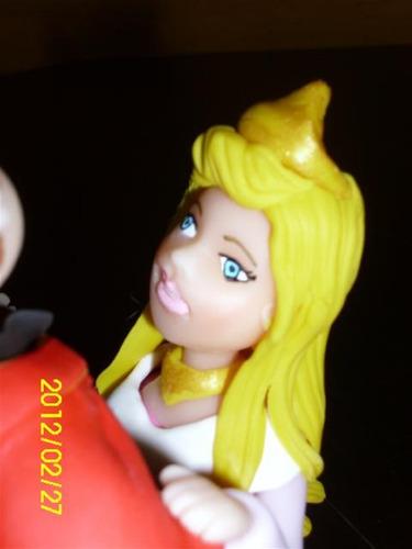 princesa aurora bella durmiente en porcelana fría