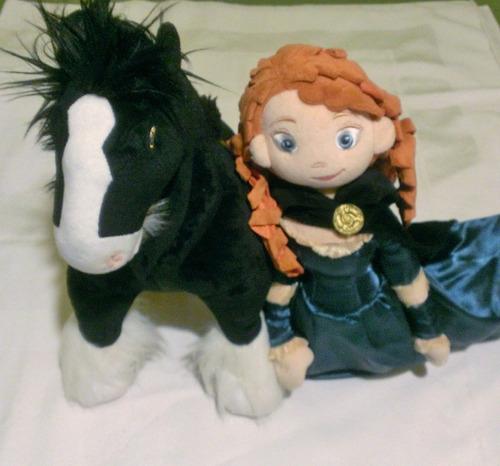 princesa merida de valiente y su caballo  de disney de tela