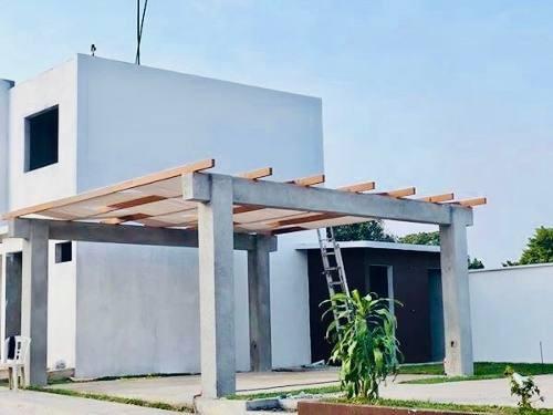 privada de 20 casas con alberca y acceso controlado