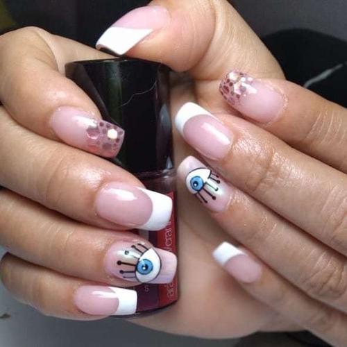 profesional en uñas
